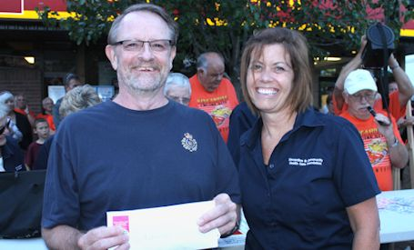 Former Ripley resident wins 50-50 at Cruise Night in Kincardine