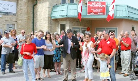 Federal Liberal candidate for Huron-Bruce opens volunteer centre in downtown Kincardine