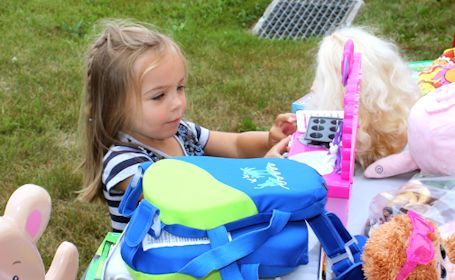 Fund-raiser yard sale held in support of MacLennan family