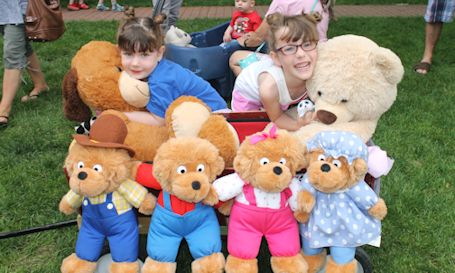 Rain holds off for another hugely-successful Kincardine Teddy Bear Parade